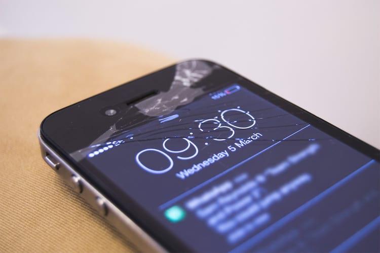 Conheça os principais seguros para smartphones. Serviços podem cobrir tanto roubos e furtos como danos causados por quedas e derrame de líquidos.