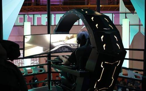 Cadeira Predator Thronos faz fila na Brasil Game Show