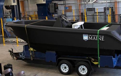 Impressora 3D gigante imprime barco e bate 3 recordes mundiais