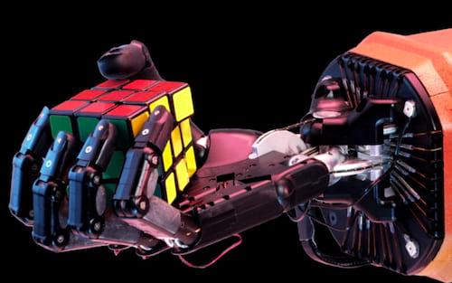 Mão robótica aprendeu sozinha como solucionar o cubo de Rubik (cubo magico)