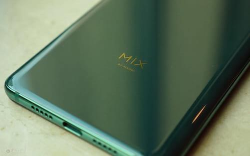 Xiaomi Mi Mix 4 aparece em imagem real