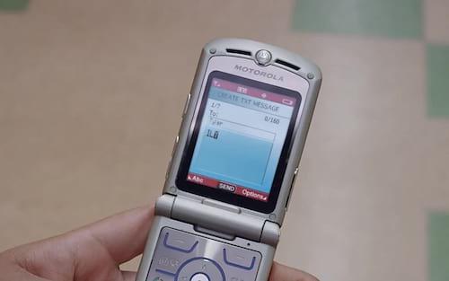 Motorola PT-550, Nokia 2280, Motorola V3 e mais: confira oito celulares antigos que marcaram época no Brasil