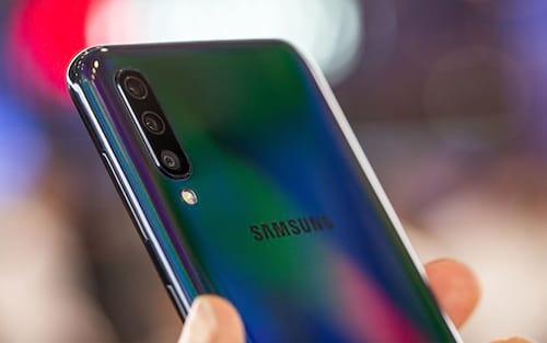 Galaxy A50 recebe atualização que melhora o leitor de digitais