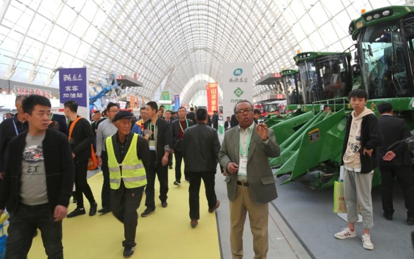 China mostra alta tecnologia com IA e IOT durante a Exposição Internacional de Máquinas Agrícolas