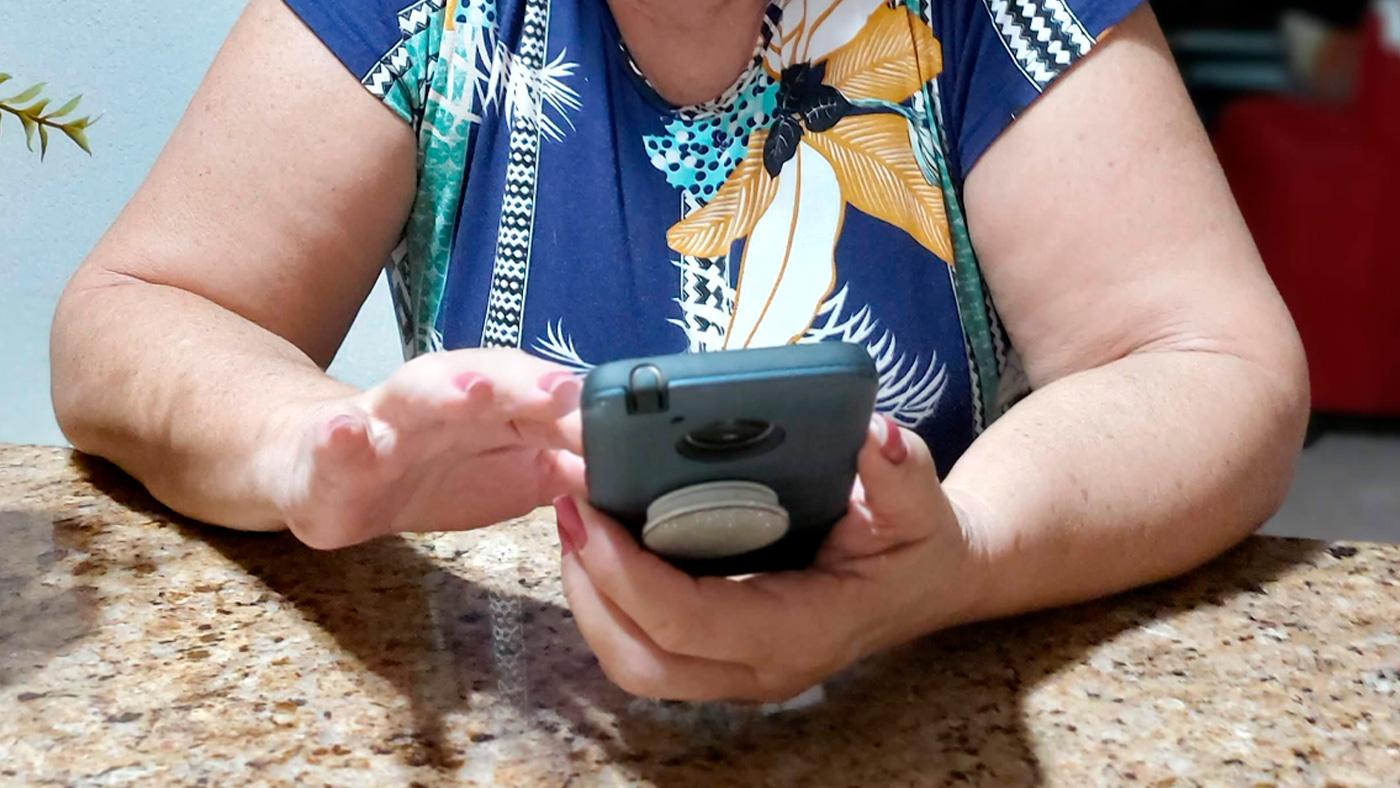 Pessoas da terceira idade podem ser tão viciadas em smartphones quanto as jovens