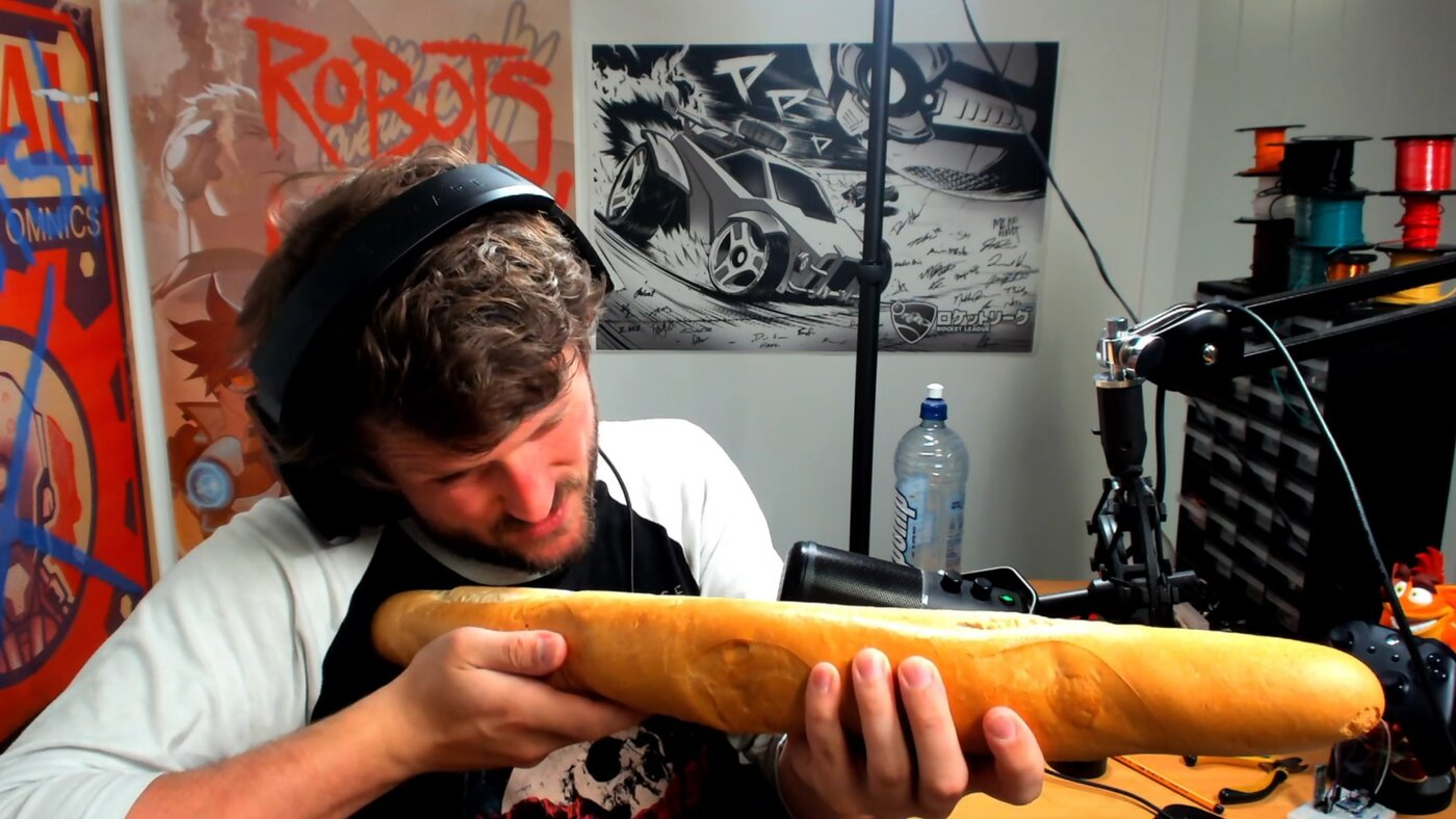 Streamer joga Call of Duty utilizando um baguete!