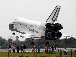 O adeus a Discovery em sua última missão