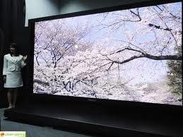 Panasonic lança TV de 145 polegadas