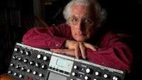Google presta homenagem ao criados do sintetizador modular com o doodle do dia