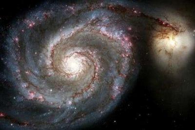 Galáxia em forma de espiral é encontrada