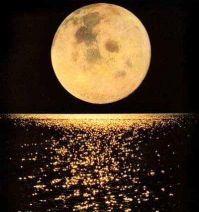 Lua Azul poderá ser vista nesta sexta-feira