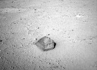 Curiosity encontra rocha com semelhanças de pirâmides egípcias