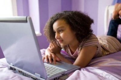 Pesquisa revela dados sobre a navegação na web de adolescentes no Brasil