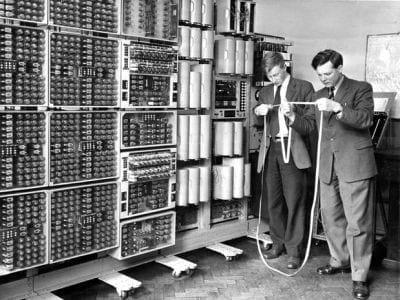 Computador mais velho do mundo volta a ativa