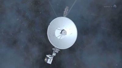 Voyager 1 chega bem próximo ao espaço interestelar
