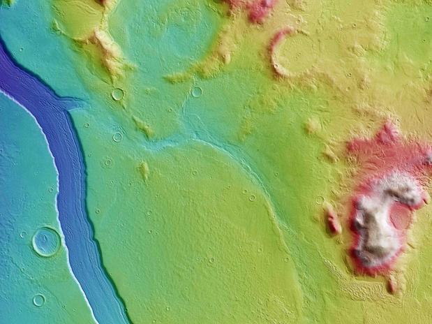 Imagens mostram que Marte pode ter tido rio de água corrente no passado
