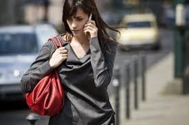 Pela primeira vez, venda de celulares sofre queda