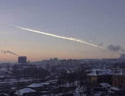 Meteorito cai na R�ssia e fere 500 pessoas