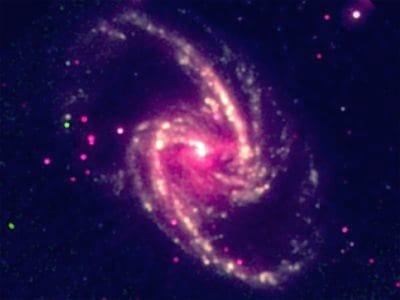 Cientistas conseguem medir velocidade de rotação de buraco negro pela 1 vez